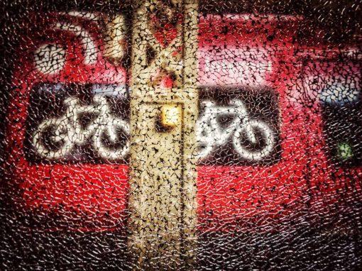 dsb, cykel, tog, knust rude, hovedbanegård, københavn