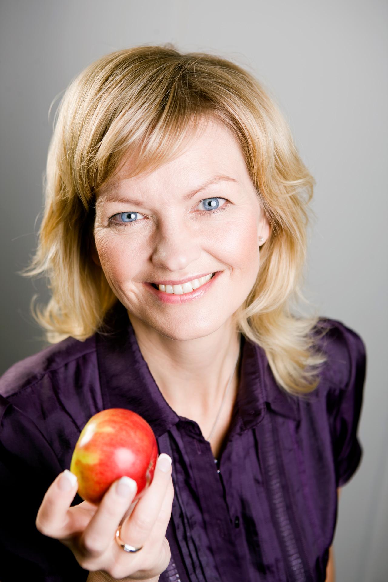 Eva Kjer Hansen, Portrætfotograf, Venstre, Fødevareminister