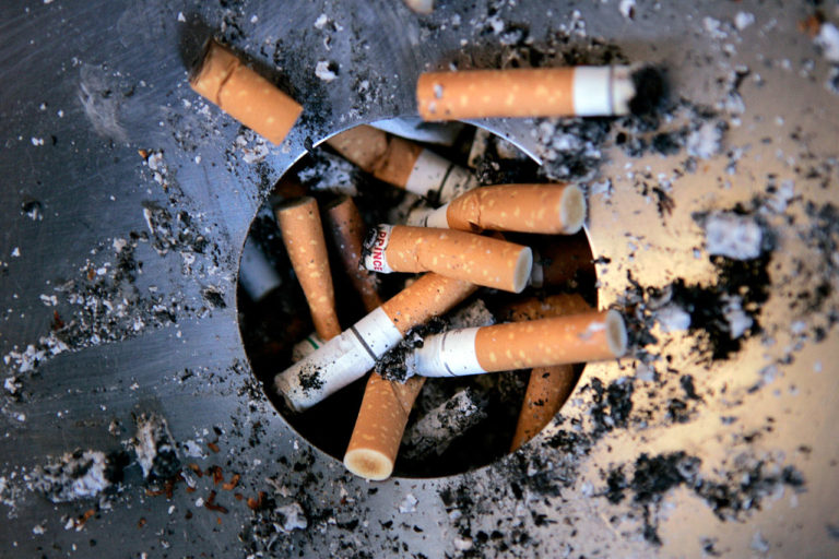 Cigaretter og cigaretskod, dødsfald, lungekræft, skod, smøger, afgift, sorte cigaretter,