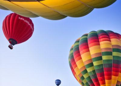 Nilen-ballonflyvning-doedsfald-solopgang-turister-helium